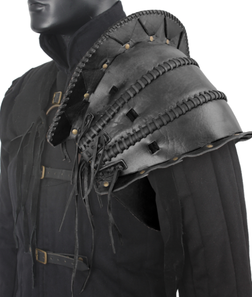 Orc's Leather Pauldron 1