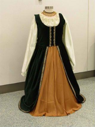 Duchess Gown 1