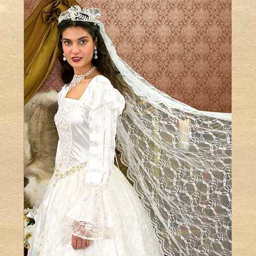 Renaissance wedding gown veil ye old renaissance shop renaissance wedding gown veil 2 junglespirit Images